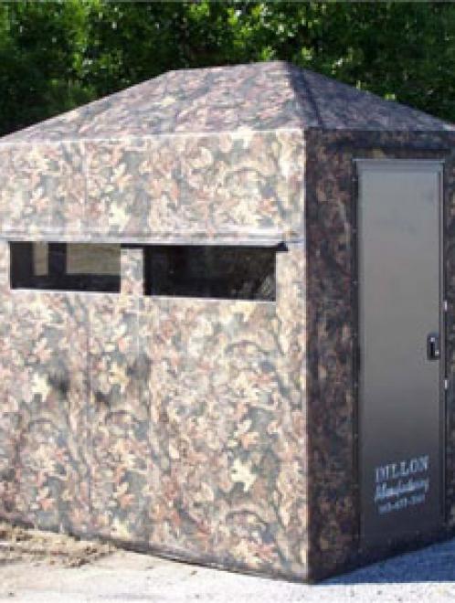 Fiberglass Blinds with Camo Patterns & Aluminum Door